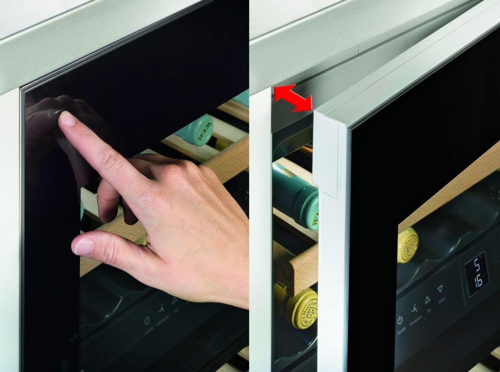 Adega de embutir WUgb 3400 porta sem puxador em vidro preto, com 2 zonas de temperatura para 34 garrafas, 81,6 cm X 59,7 cm X 58,0 cm (A x L x P). - Porta sem puxador com abertura por toque TipOpen, integração perfeita com móveis sem puxadores. #LIEBHERR #ADEGA #VINHOS