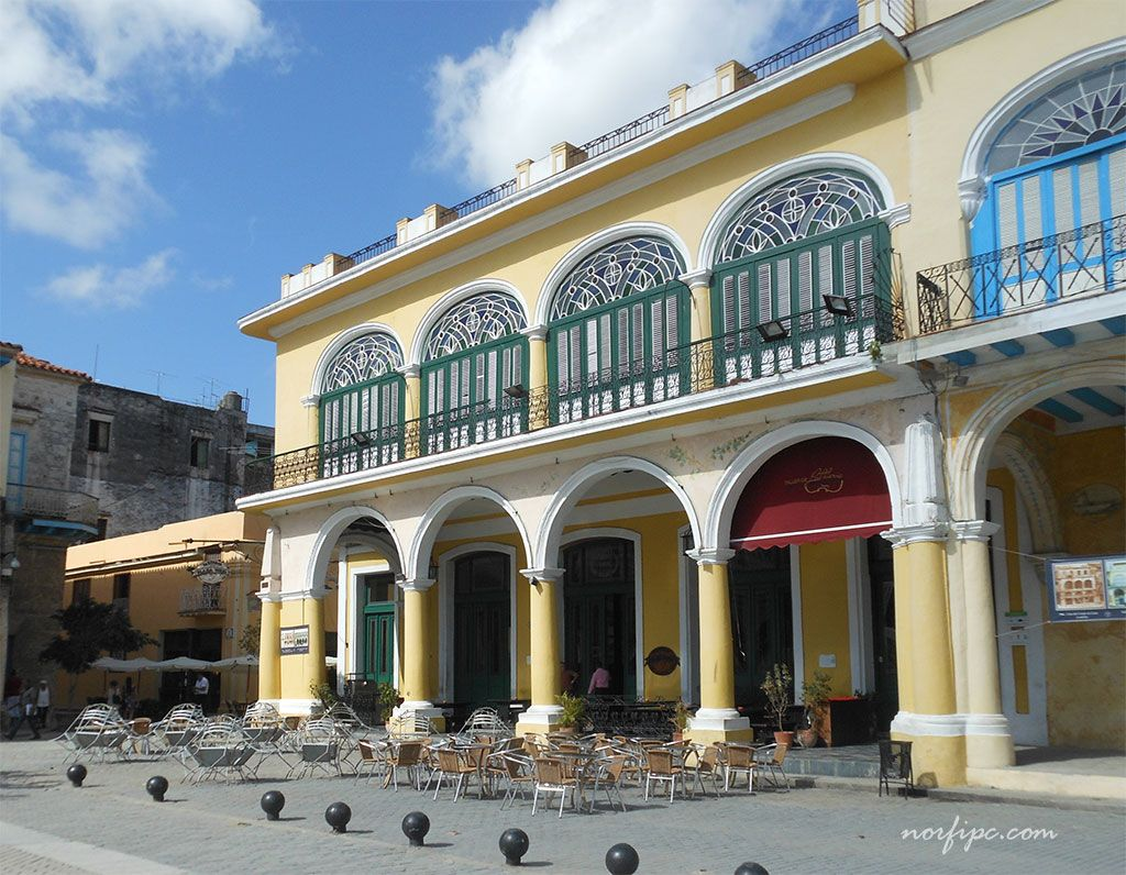 La Factoría de Maltas y Cervezas en la Plaza Vieja de la Habana