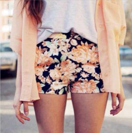 White blouse + Peach cardigan + Flower shorts = <3