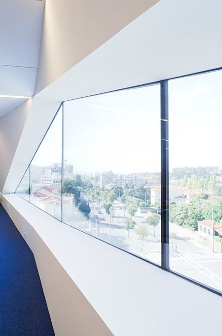 Vodafone headquarters by Barbosa & Guimaraes