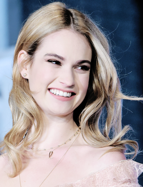 best service d2413 1a476 Lily Chloe Ninette Thomson | LiLY JaMeS❤ in 2019 | Lily ...