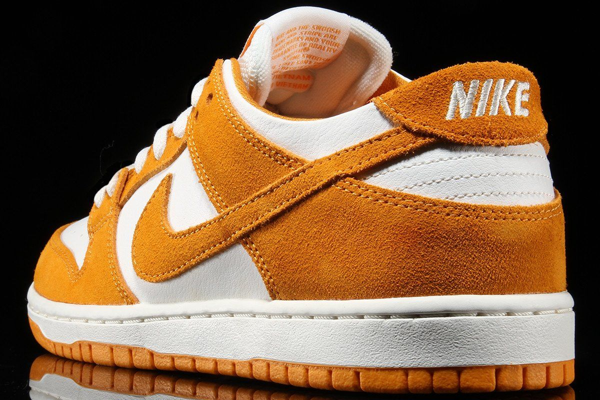 differently 39323 dcf97 nike sb dunk low circuit orange