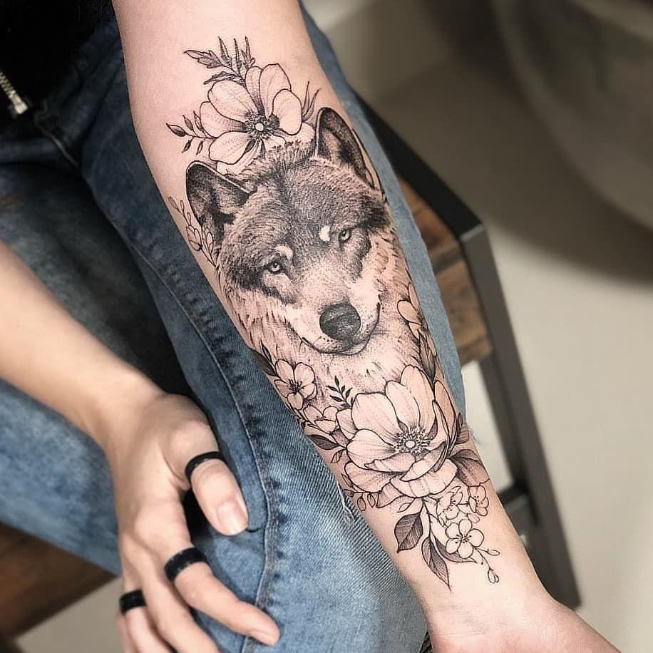 "ɪɴsᴛᴀᴛᴛᴏᴏ2 🎨🇧🇷🏠 on Instagram: ""Lobo / Wolf 🥰 @miltonreistatuador  Usem a #instattoo2 // @instattoo2 . . . . #tattoo#wolftattoo l#tattoo2me #tattooart#geometrictattoo…"""