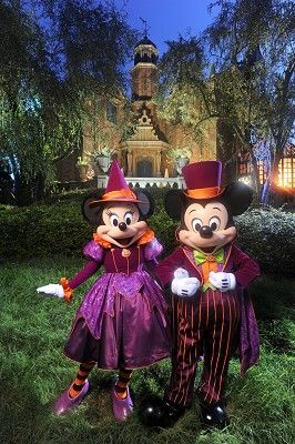 Halloween - Minnie as a witch & Mickey in a tux