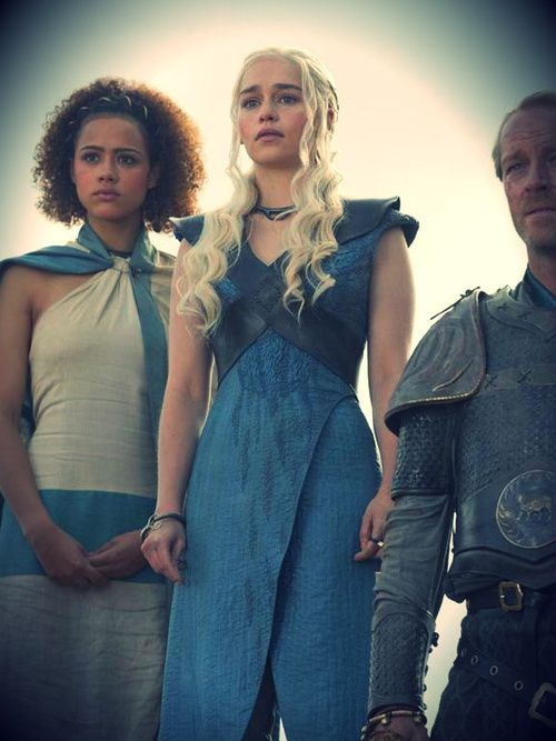 Daenerys season 3 blue dress goes