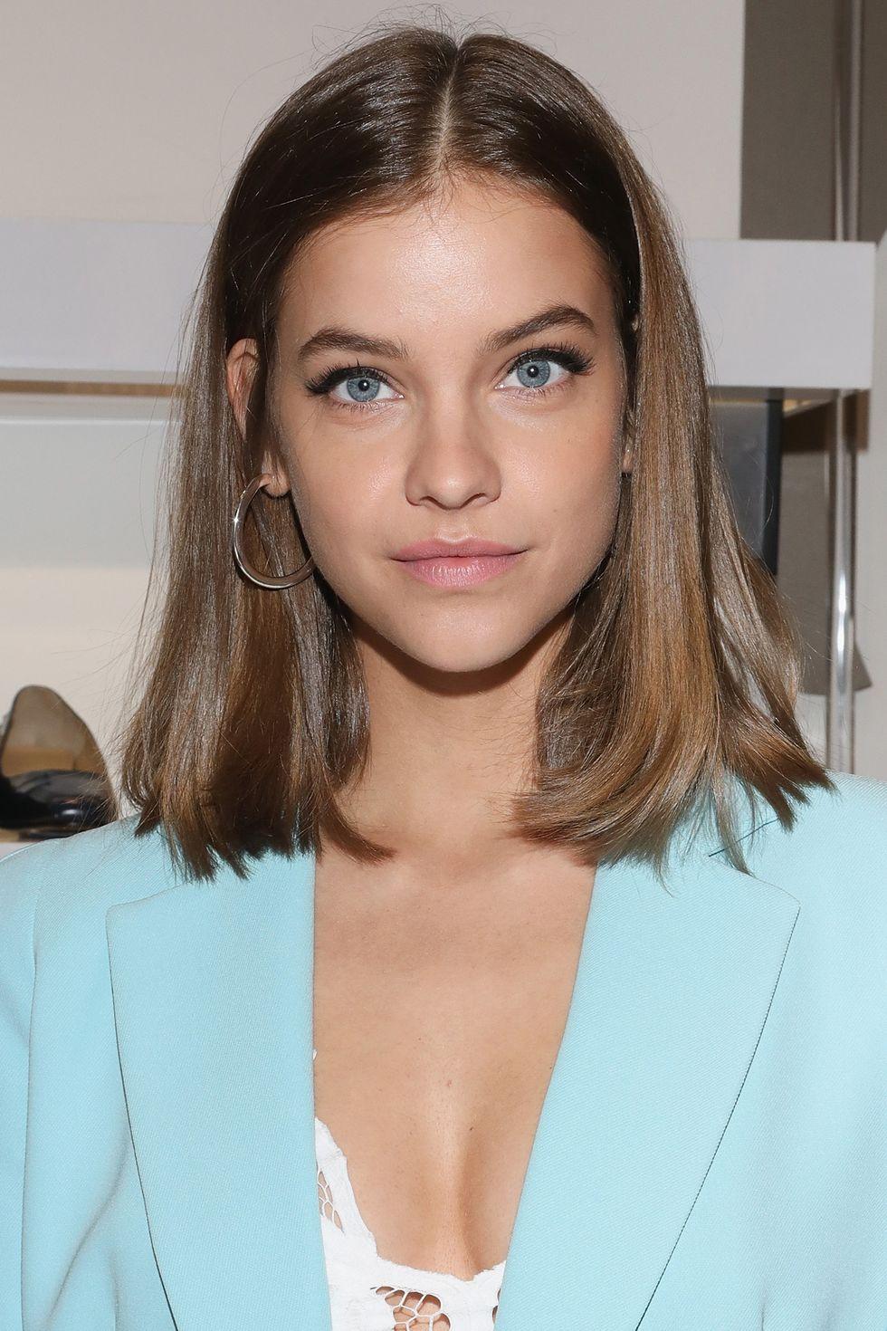 Barbara Palvin Critiques 10 Of Her Most Memorable Beauty Looks In 2020 Hair Lengths Medium Hair Styles Aesthetic Hair