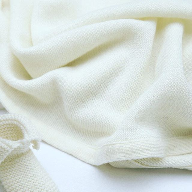 Cocon de  douceur pour envelopper son  bébé dans une matière  souple et  élastique 5997a430750