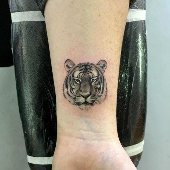 Tiger Wrist Tattoo By Bradley Conradie Tattoos Arm Band Tattoo Tattoo Designs