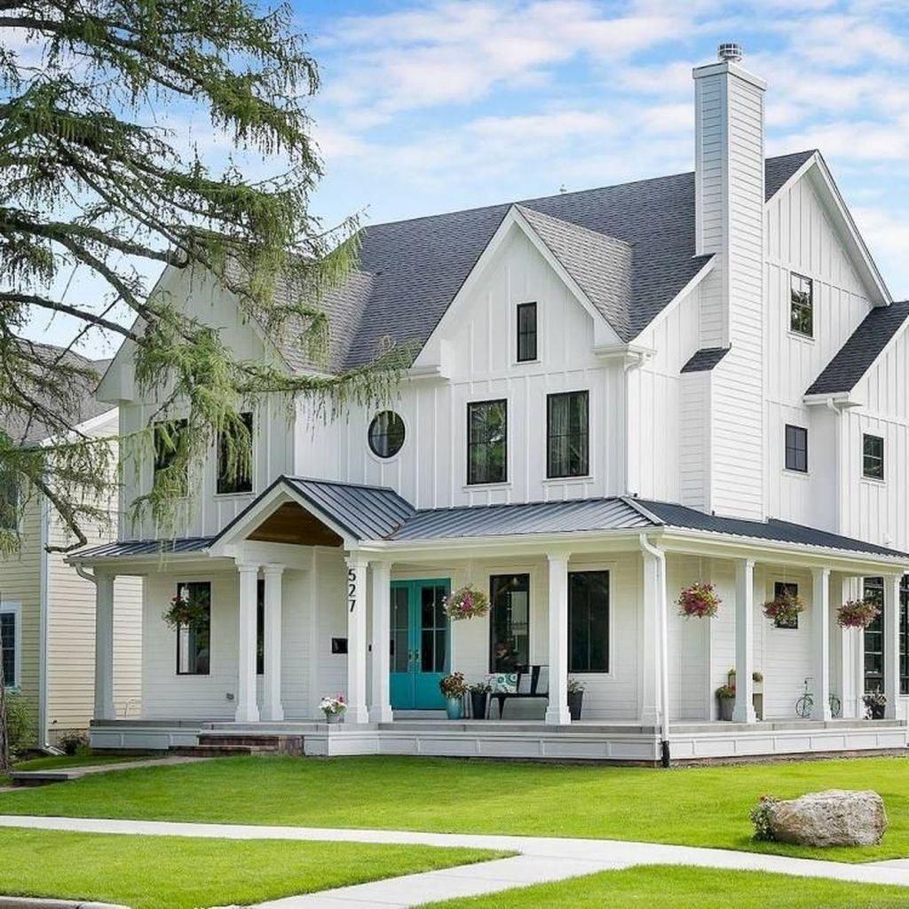 32 Stunning Colonial Farmhouse Exterior Design Ideas Housedcr Modern Farmhouse Exterior Farmhouse Exterior Farmhouse Exterior Colors