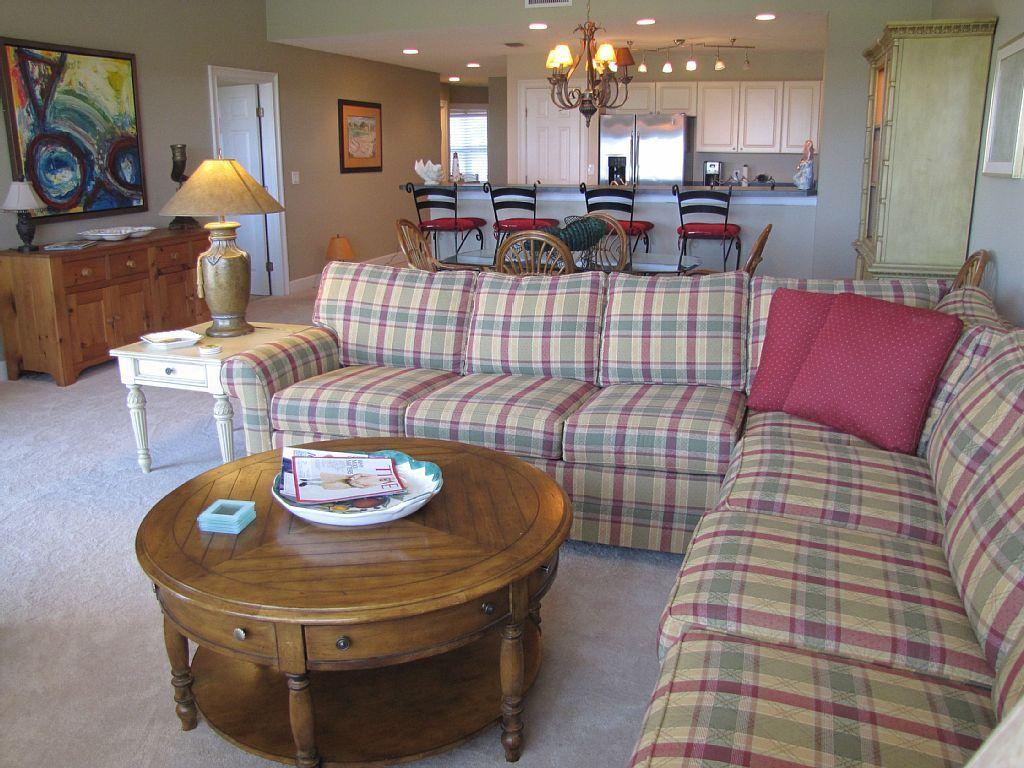 Deluxe Ocean Park 3 bedroom condo with pool &... - VRBO