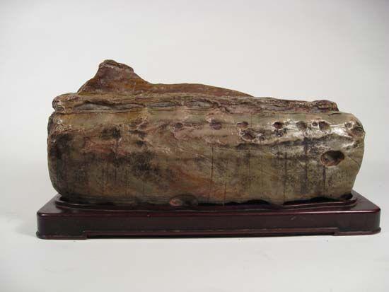 Nine Dragon Stone 14x32x17 cm