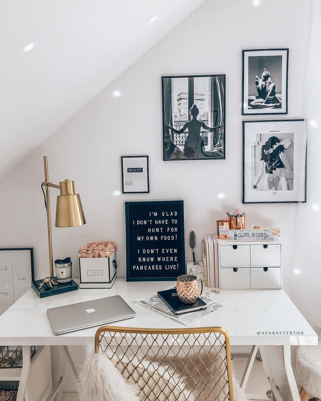 Home Office Arbeitsplatz Girlboss Home Office Mit Femininer Note Wer Regiert Die