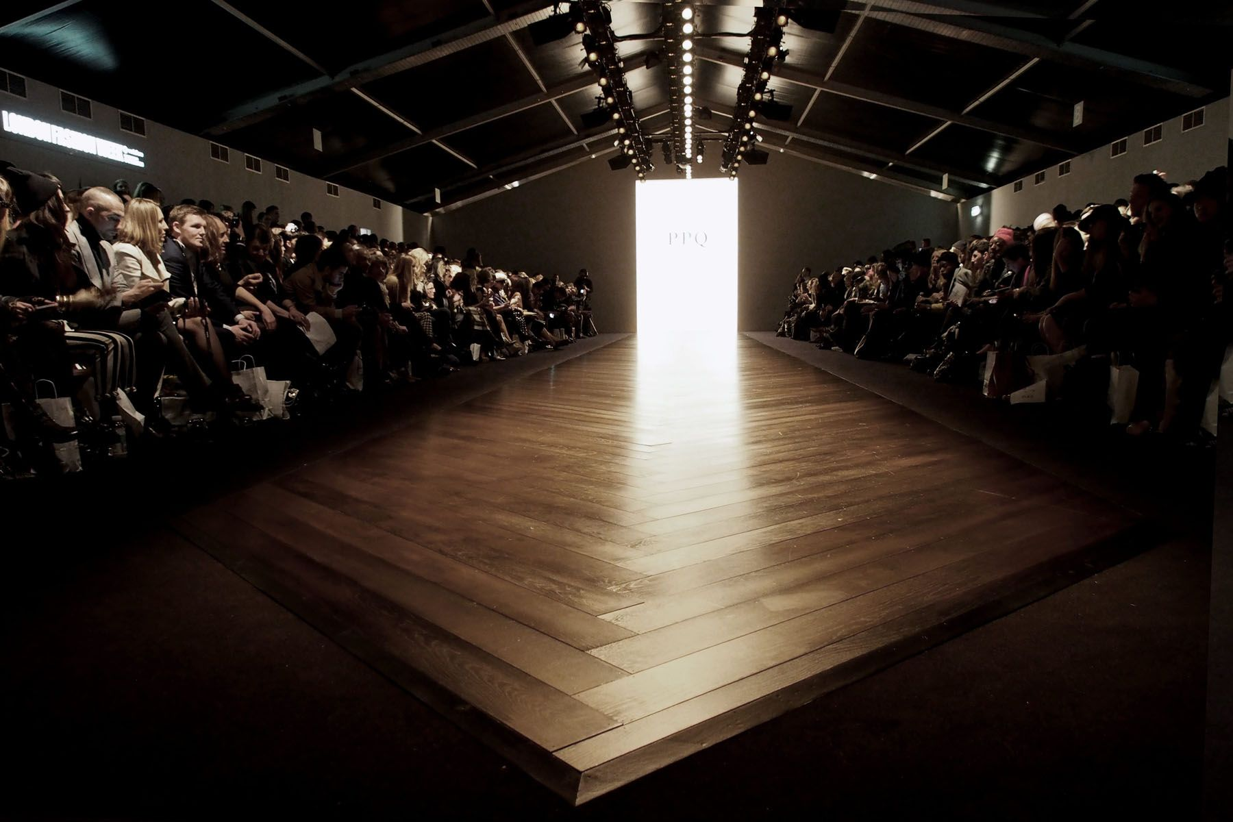 Renegade design london fashion 1800 1200 for Catwalk flooring