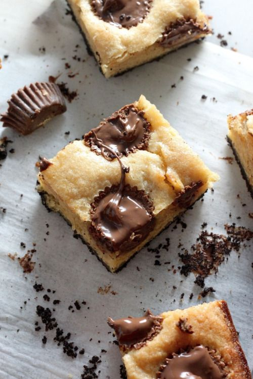 Black Bottom Banana Peanut Butter Cup #Blondies #Chocolate #Desire