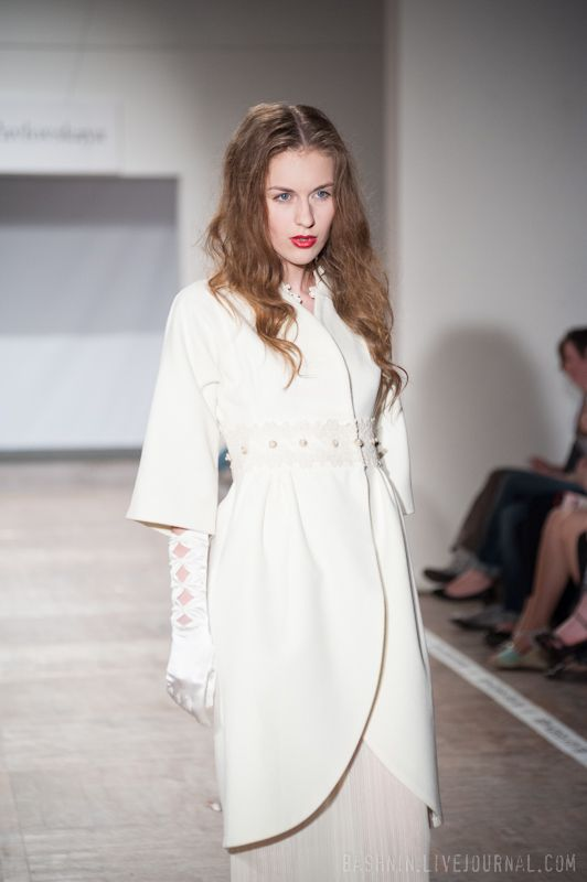 Женское белое пальто для свадьбы,пояс кружевной