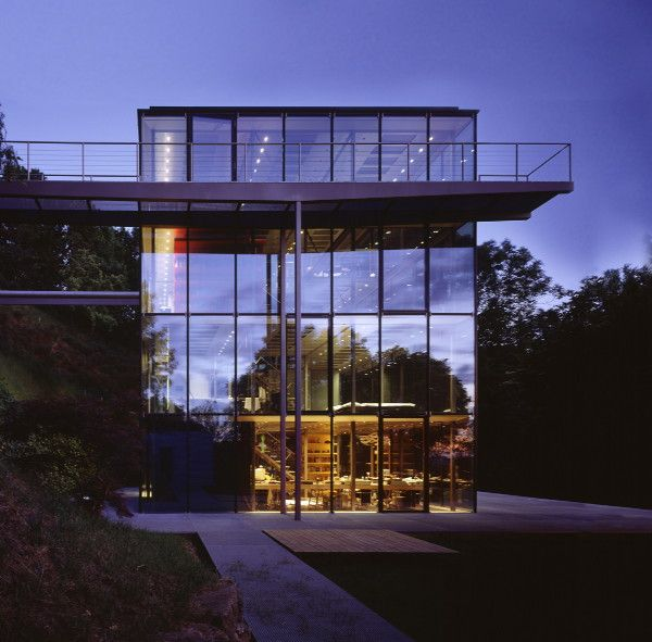Sustainable house idea from stuttgart germany a for Stuttgart architecture