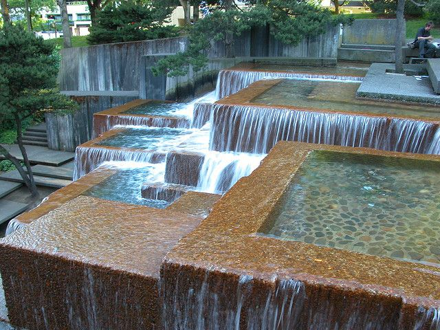 08 0625 portland fountain design fountain and landscaping for Urban waterfall design