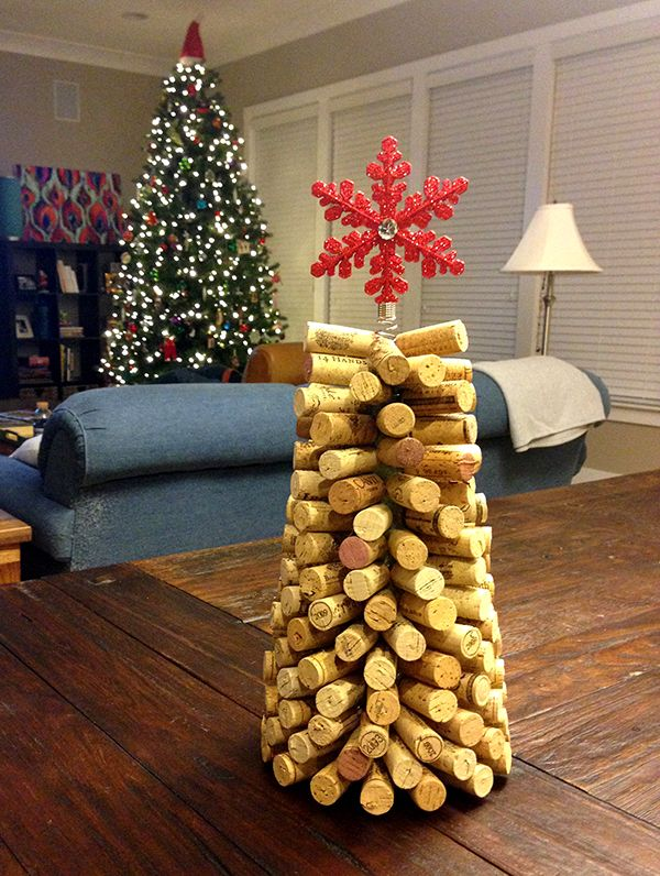 Wine cork tree wine cork crafts simply idea great to do for Crafts to make with wine corks