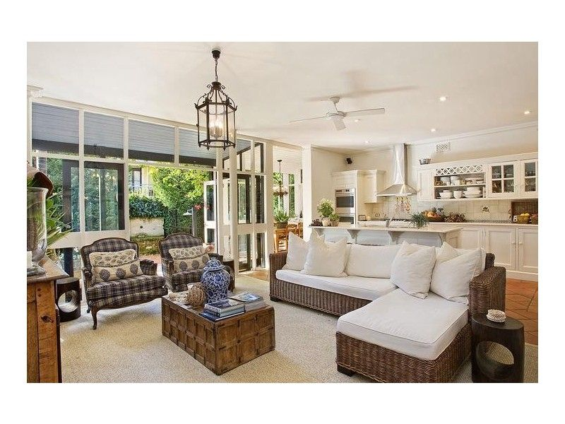 Medium Indoor/outdoor Design