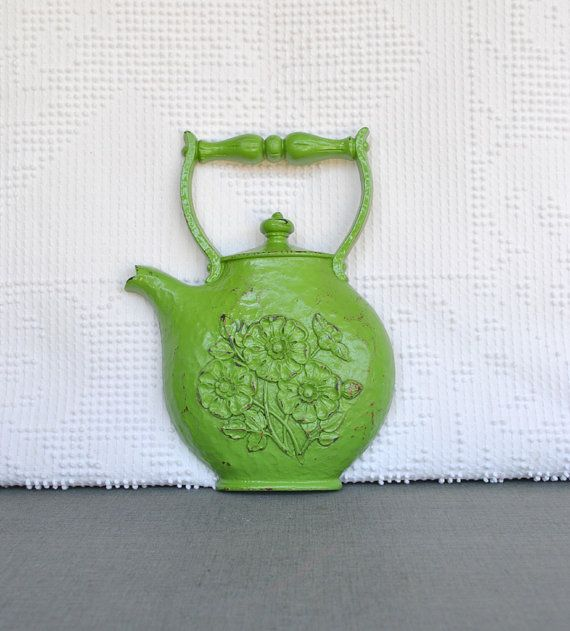 Green Teapot Vintage Dart Syroco Resin Wall Hanging Shabby Chic Country Cottage Green Kitchen Decor Wall Decorat Tea Pots Vintage Green Kitchen Decor Tea Pots