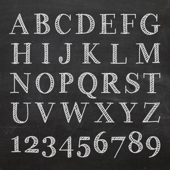 カフェ風のコツは 文字 にあり 黒板をおしゃれに彩るチョークレタリング術 キナリノ レタリングアルファベット レタリング レタリングデザイン