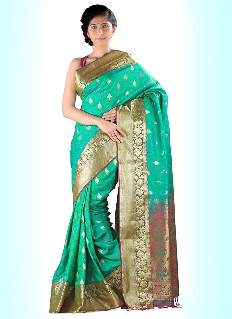 Buy designer party wear saree from our latest collection. Order this scintillating print work casual saree.