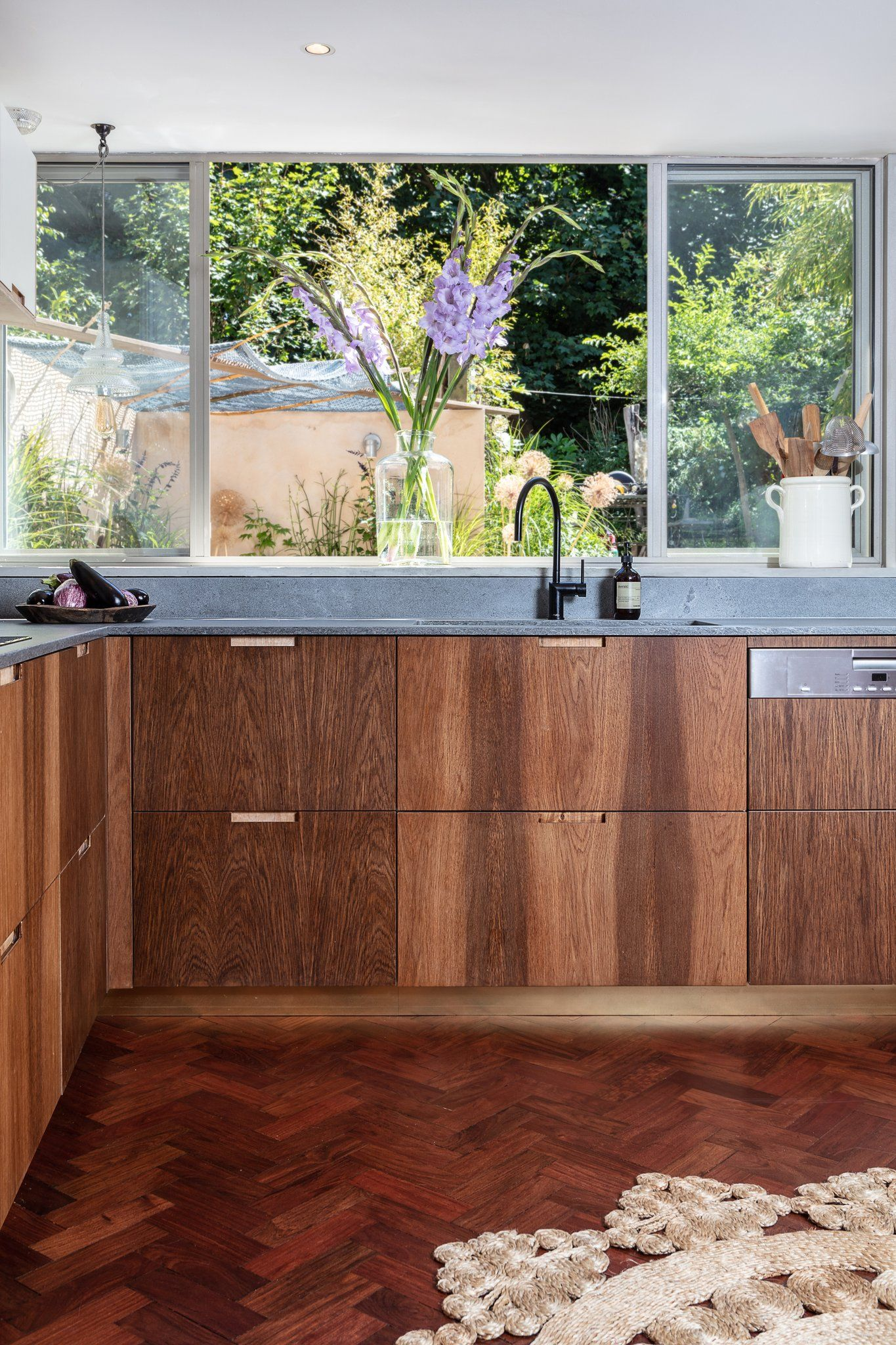 Rare Brown Oak Birch Plywood with concrete quartz