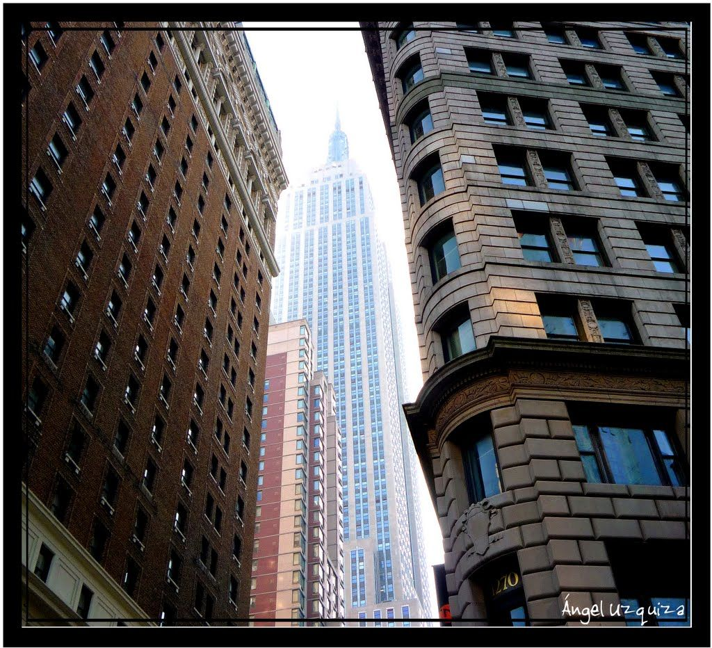 Empire State Building from Brodway - New York -NY