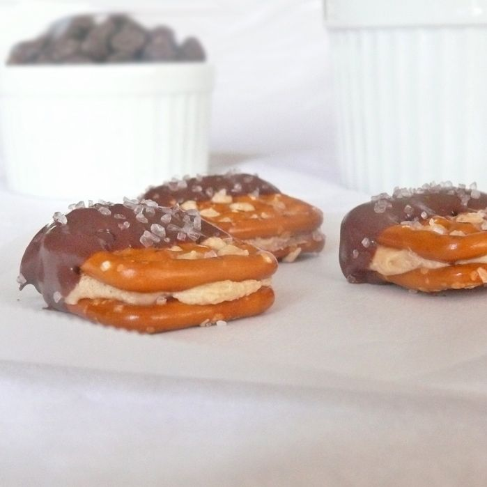 Chocolate and Peanut Butter Pretzel Bundles