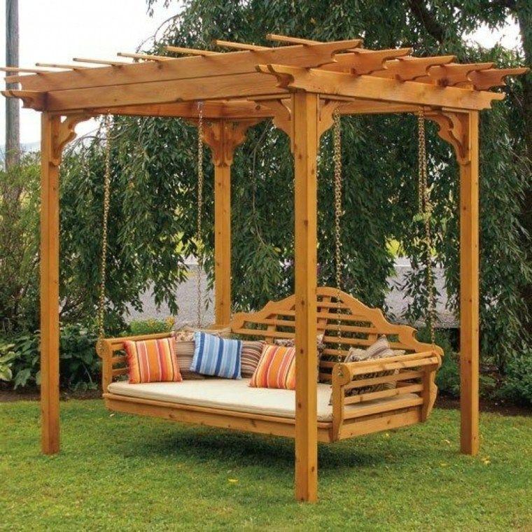 Columpios para el jardín y su uso en el diseño del espacio exterior.
