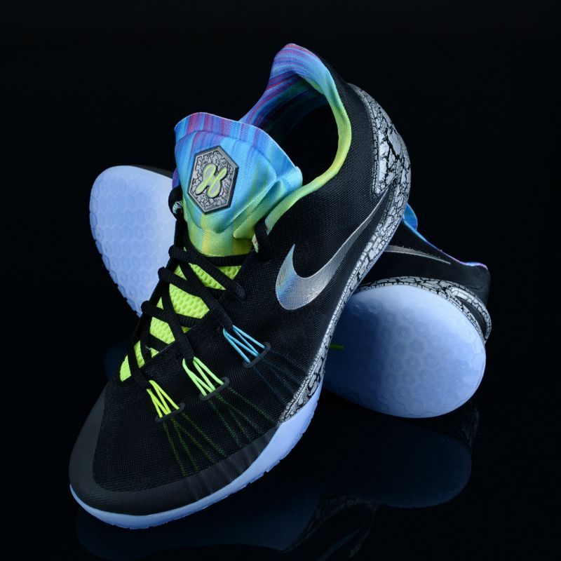 c4ea0bdb35d Here s how James Harden is taking the court on All-Star Weekend. Get your Nike  Hyperchase here.
