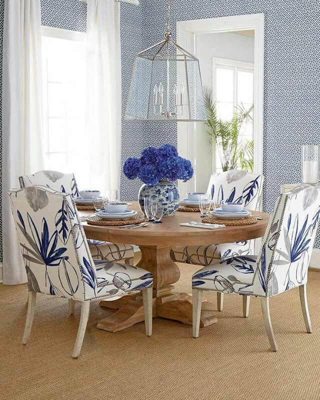 Room Store Dining Room Sets: Pin By Sharon Seghers On Furniture