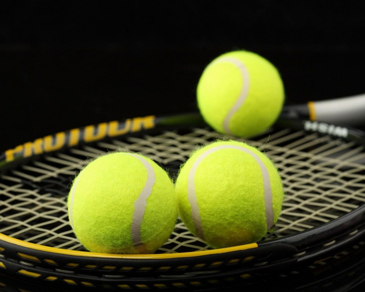Tennis Racket Balls With Images Tennis Sports Wallpapers