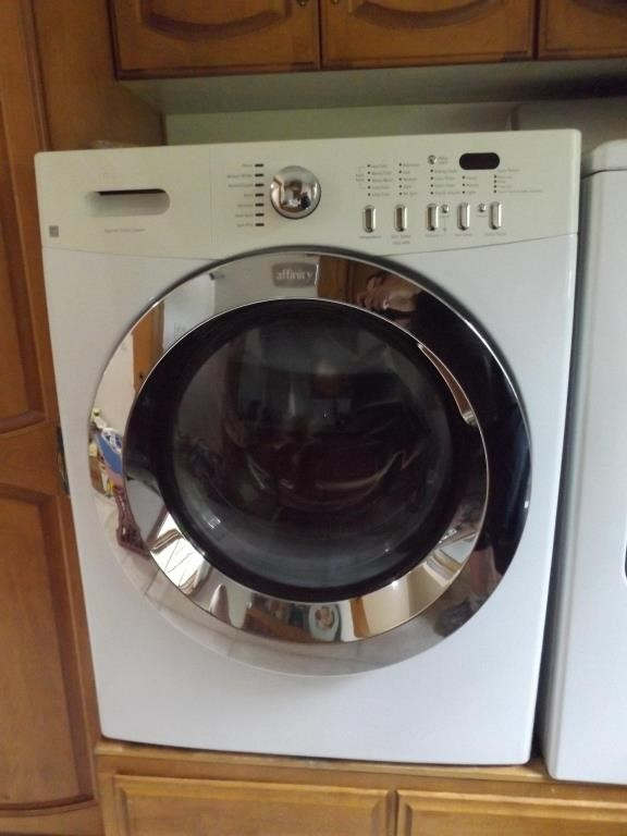 Pin By Superior Auction Appraisal L On Stiles Estate Online Auction Clothes Washer Loading Clothes Washer