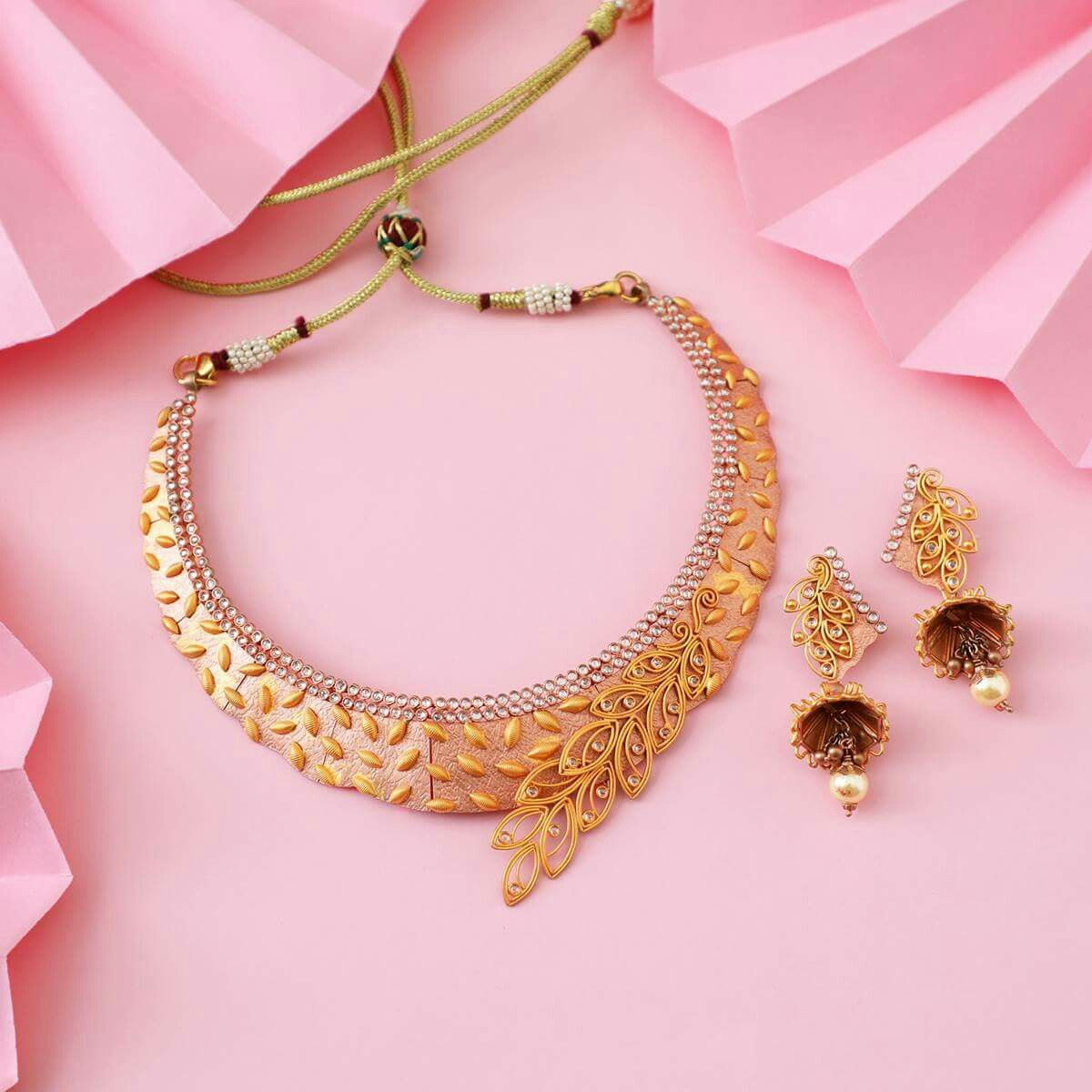 Pin by Rehma Siraj on jewellery | Pinterest | Gold jewellery ...