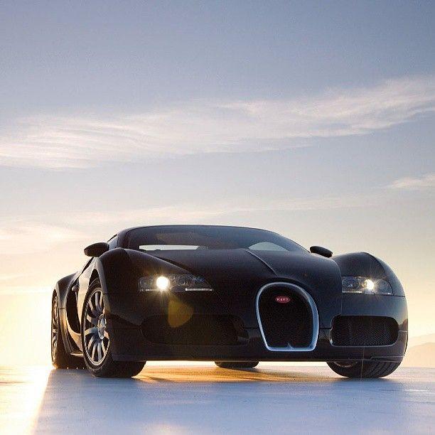 Bugatti Veyron In A Beautiful Sunset