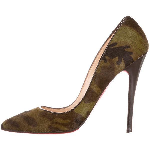 Pre-owned Christian Louboutin Ponyhair Camo Pumps ($595) ❤ liked on Polyvore featuring shoes, pumps, pattern prints, pointed toe shoes, calf hair shoes, pony hair pumps, print shoes and pony hair shoes