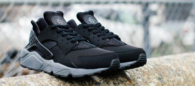 Nike Huarache Black Grey Sole