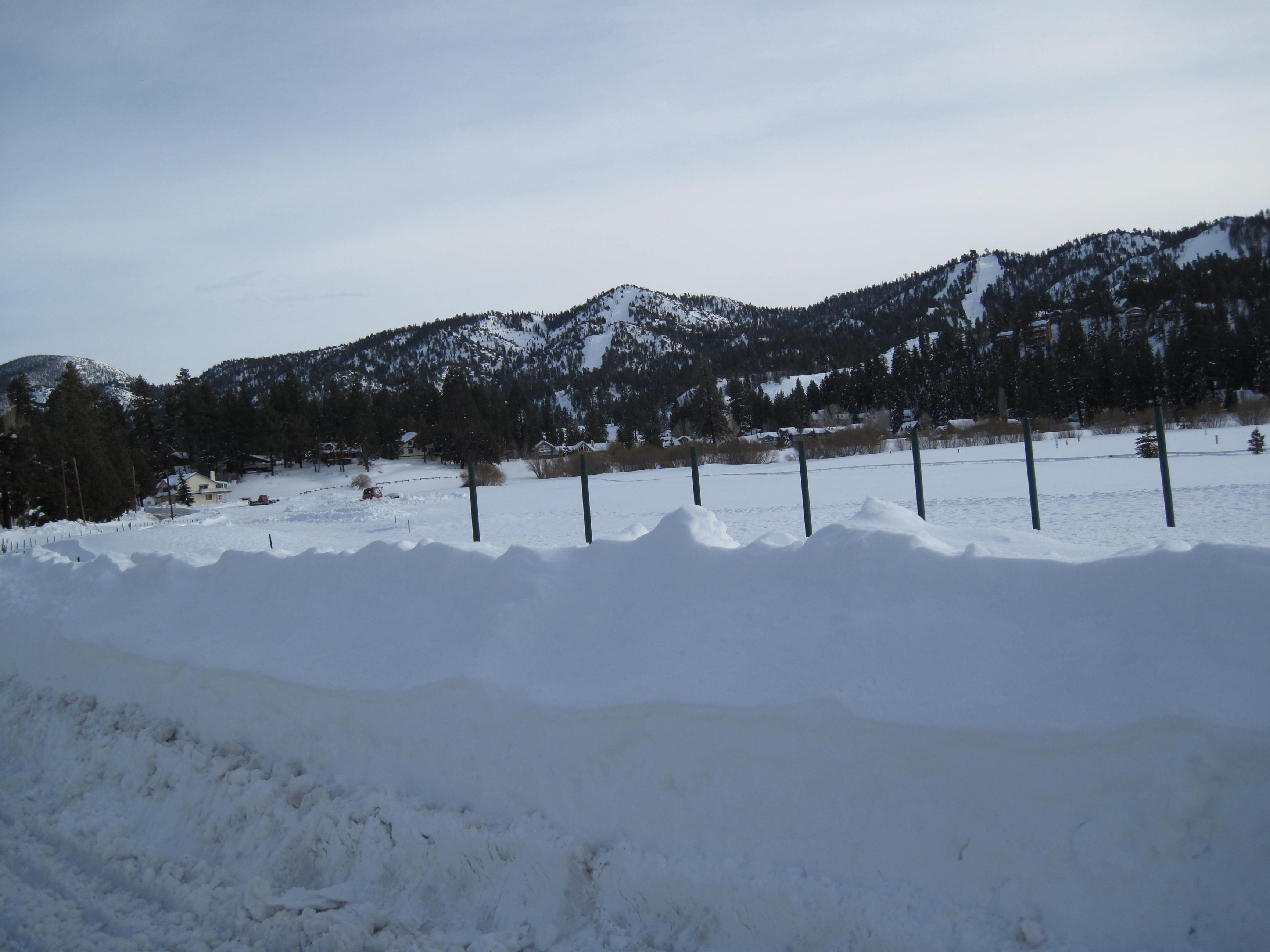 big bear ca in winter snow cool photos mountains. Black Bedroom Furniture Sets. Home Design Ideas
