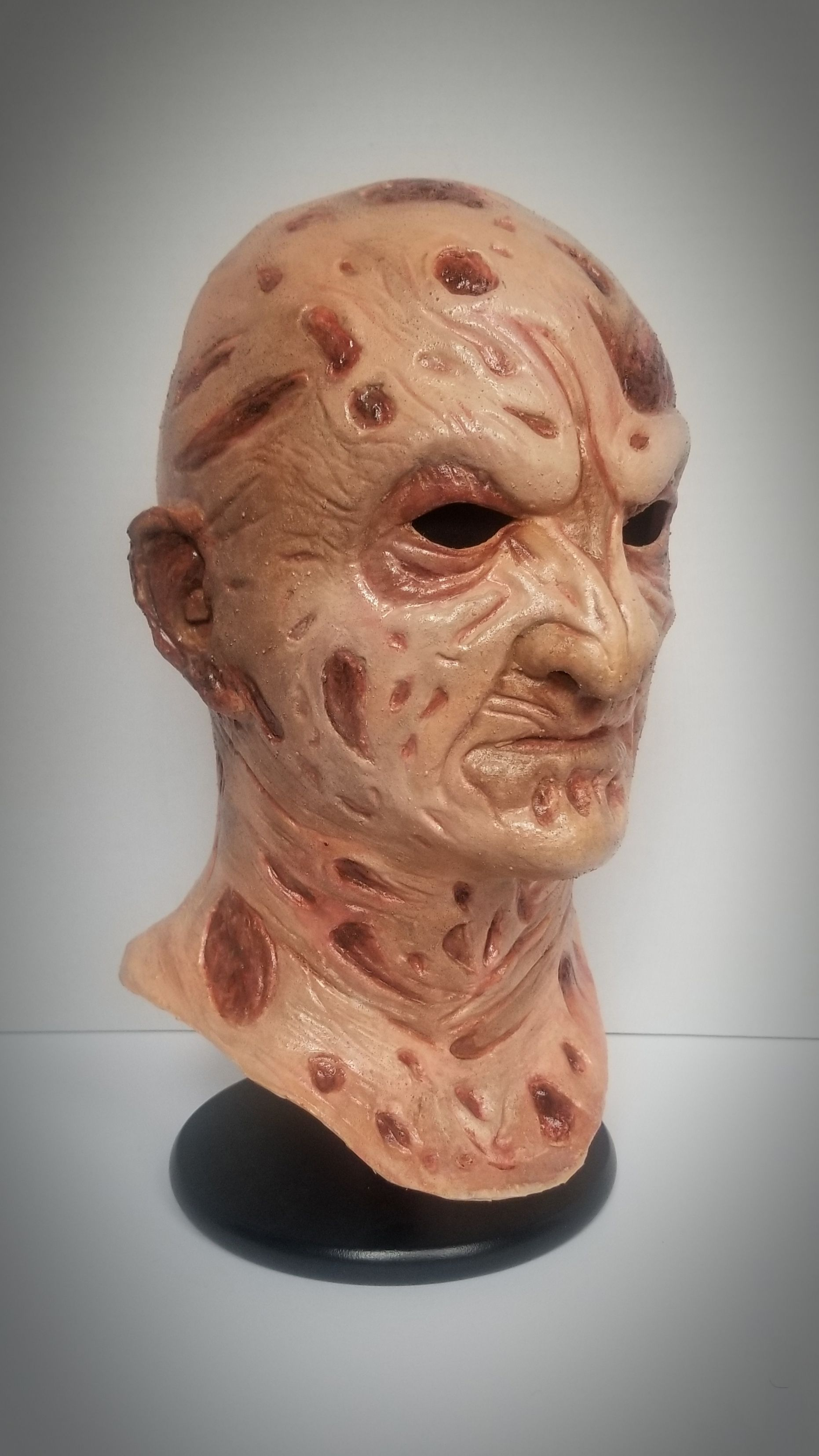 Krueger Bust (no hat) in 2020 Mask, Haul, Lion sculpture