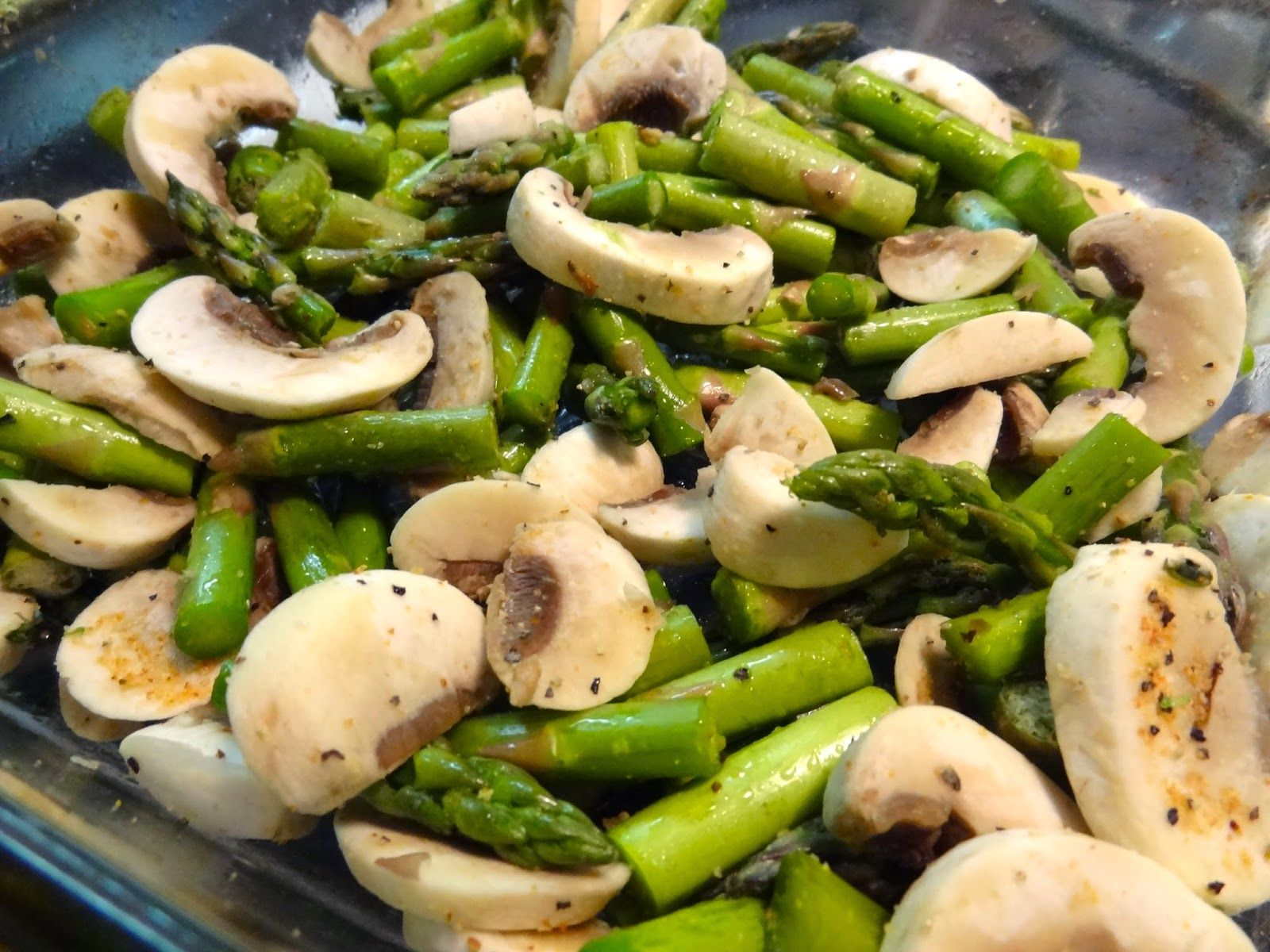 Roasted Tuscan Herb Asparagus & Mushrooms - so so easy and so so good!  #advocare #advocare24daychallenge #cleaneating #oliandve #glutenfree #dairyfree @AdvoCare International, L.P.