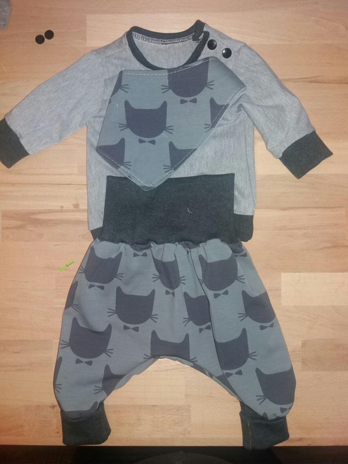 Sweater- Schnittmuster: http://www.groeny.de Pumphose: http://www ...