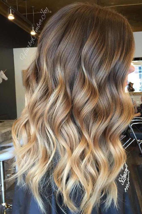 Photo of strähnchen blond natürlich mittellanges Haar – Trend Damen Frisuren