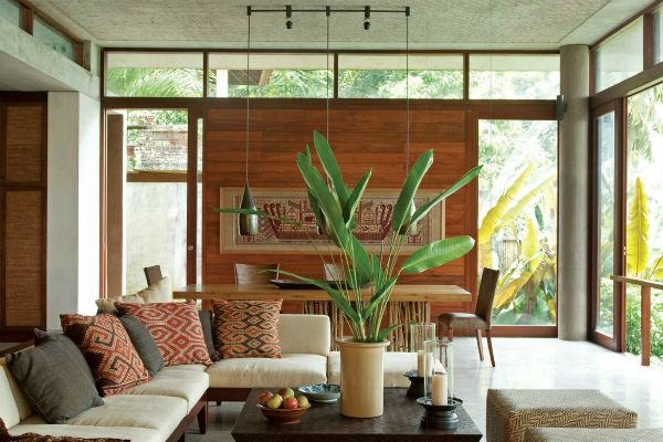 bali living room | Combining the dining room and living area is typical Balinese interior ...