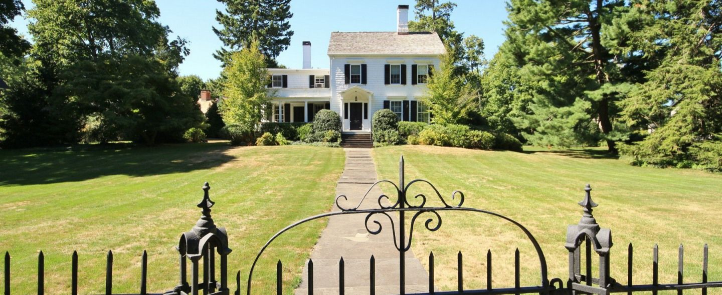 Moses Buckley House Circa 1811 Classic 5 Bedroom Federal Style Farmhouse On A Sweeping And Gently Sloping 71 Old Houses For Sale Historic Homes Old Houses