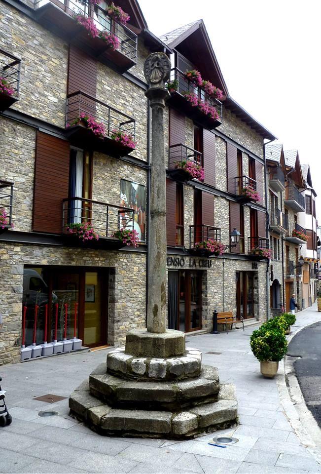 Creu de terme d'Esterri d'Àneu - Pallars Sobirà