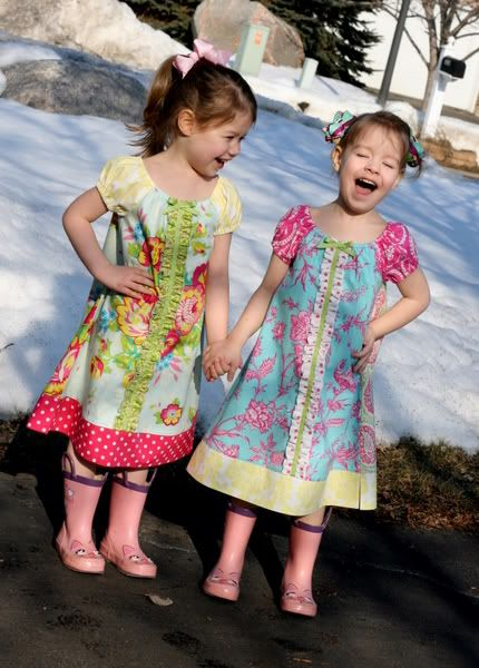 Free tutorial for this little dress!!  so many possibilities with this simple little pattern