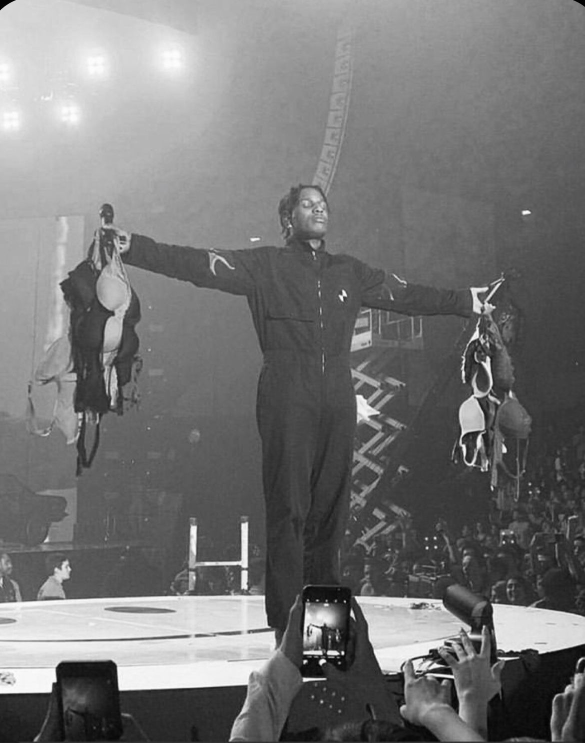 Asap Rocky Live Aesthetic Black And White Aesthetic Live Aesthetic Black Wallpaper Aesthetic asap rocky live wallpaper