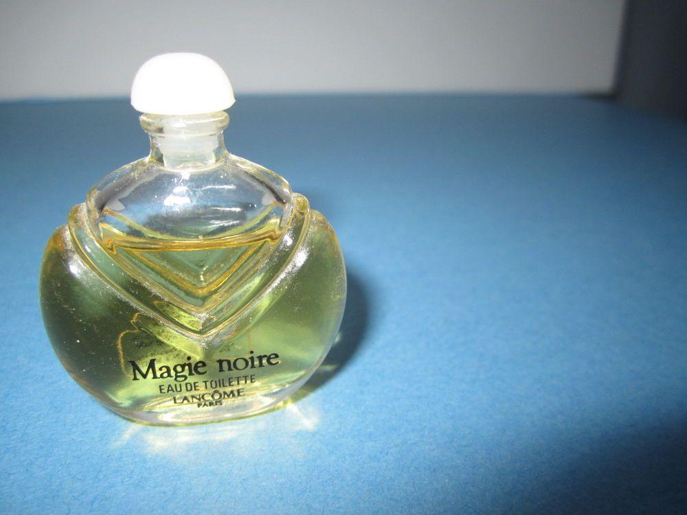 Lancome Magie Noire Eau De Toilette Splash Perfume Collectible Mini Discontinued Ebay Finds Selling On Ebay Perfume Bottles