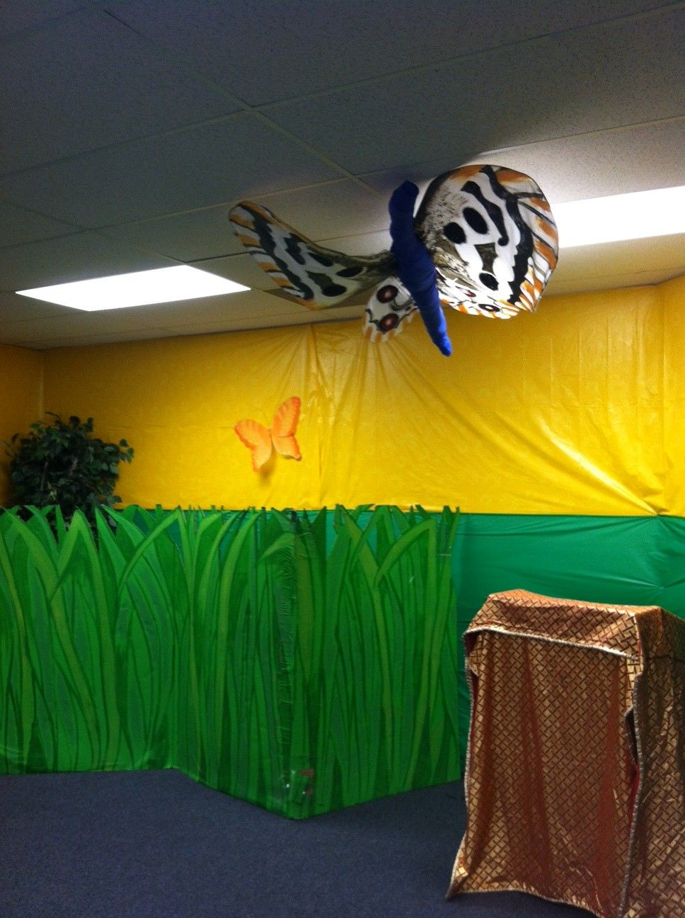 Bible adventures room weird animals vbs
